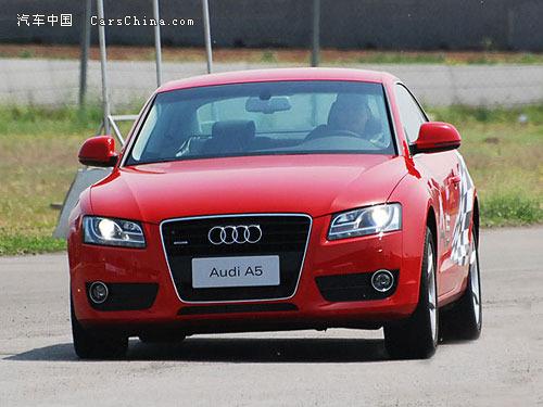 奥迪/空间方面,A5 Sportback与欧版的A4较为接近。