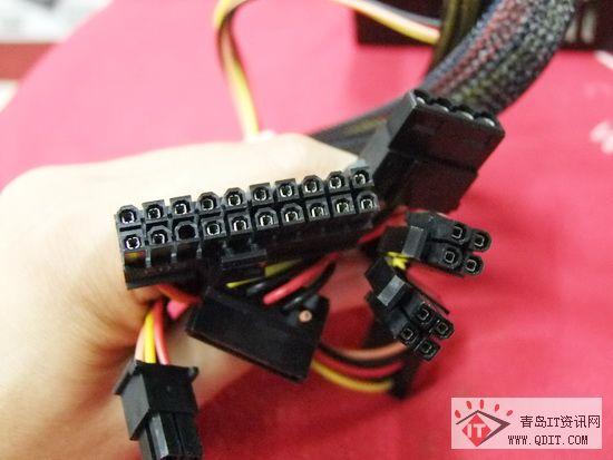 电源提供了一个20+4pin图纸v电源接口cad解冻主板灰底图片