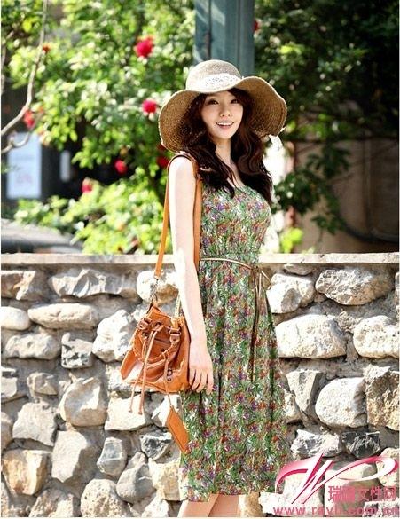 绿色印花民族风连衣裙-民族风印花裙决胜时尚装扮