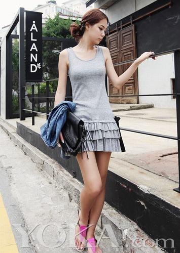 女士连衣短裙_清爽连衣短裙 夏日最简约时尚搭-奢侈品频道-和讯网