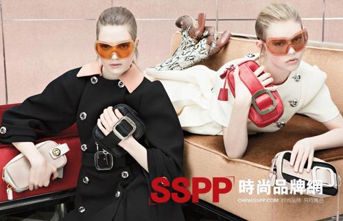 普拉达官网:普拉达 (Prada)2011秋冬包包广告大片