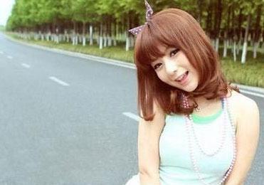 萝莉示范 齐刘海超级显嫩发型图片