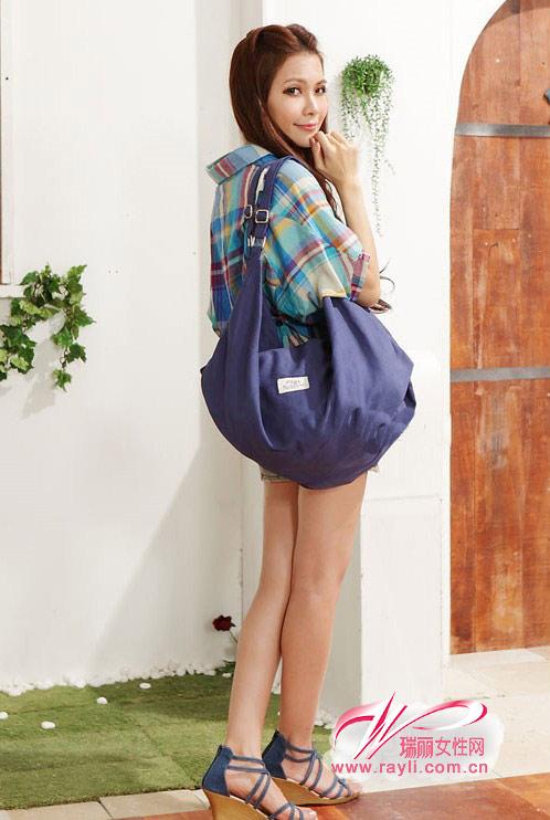 背背包的女生头像