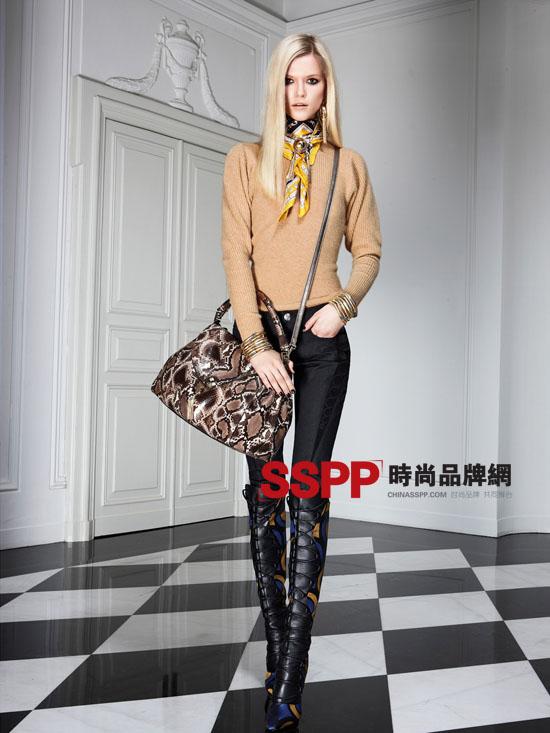 范思哲2011秋季女装时尚搭配 范思哲2011秋季女装新款 包 女鞋