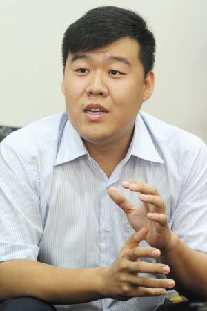 摄影记者王博